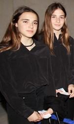 Είναι οι πανέμορφες κόρες πασίγνωστης Ελληνίδας!