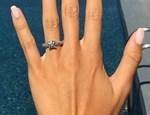 Το ζευγάρι της showbiz παντρεύεται και η πρόταση γάμου έγινε στη Σαντορίνη!