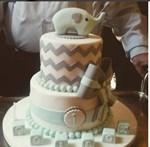 Ζευγάρι της ελληνικής showbiz γιόρτασε τα πρώτα γενέθλια του γιου του με αυτή την εντυπωσιακή τούρτα!
