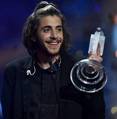 Salvador Sobral: Ευχάριστα νέα για το νικητή της Eurovision! Έκανε μεταμόσχευση καρδιάς