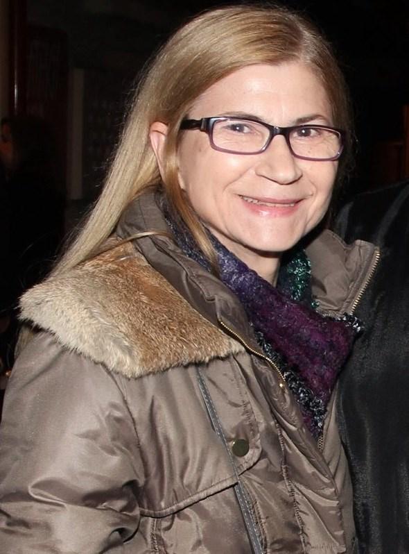 Η κυρία της φωτογραφίας είναι σύζυγος γνωστού Έλληνα ηθοποιού