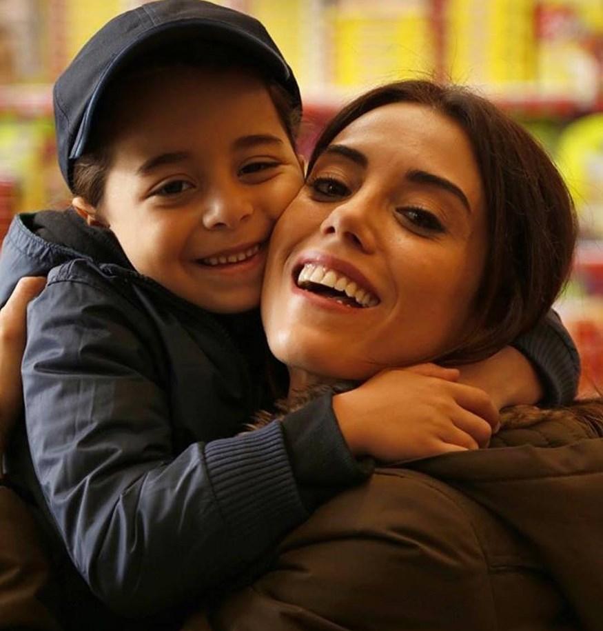 ΑΝΝΕ: Δείτε για πρώτη φορά τους γονείς της 9χρονης πρωταγωνίστριας, Beren Gökyıldız!