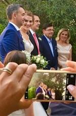 Ο Θοδωρής Δρακάκης πάντρεψε την κόρη του, Άντρια: Δείτε τις πρώτες φωτογραφίες!
