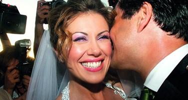 Ο Άδωνις Γεωργιάδης και η Ευγενία Μανωλίδου έχουν επέτειο! Το FTHIS.GR θυμάται τον λαμπερό γάμο τους