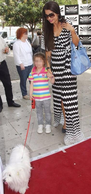 Νίνα Λοτσάρη: Ποζάρει με τη μικρότερη κόρη της και αποκαλύπτει ότι πάνε για... beaute!