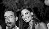 Σάκης Τανιμανίδης – Χριστίνα Μπόμπα: Ρομαντικό δείπνο δίπλα στη θάλασσα!