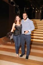 Full in love! Βραδινή έξοδος για το ζευγάρι της showbiz που ετοιμάζεται σύντομα να ανέβει τα σκαλιά της εκκλησίας