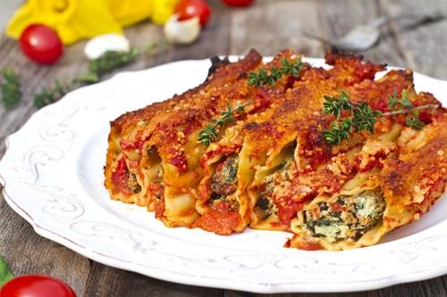 <span class=categorySpan colorLightBlue>Food/</span>Πώς να φτιάξετε κανελόνια γεμιστά με λαχανικά σοτέ!