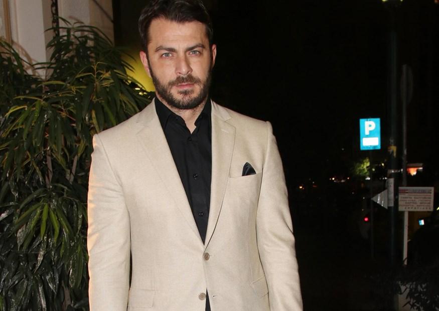 Ο νέος Ντάνος: Δείτε που εμφανίστηκε το βράδυ της Δευτέρας με chic κοστούμι