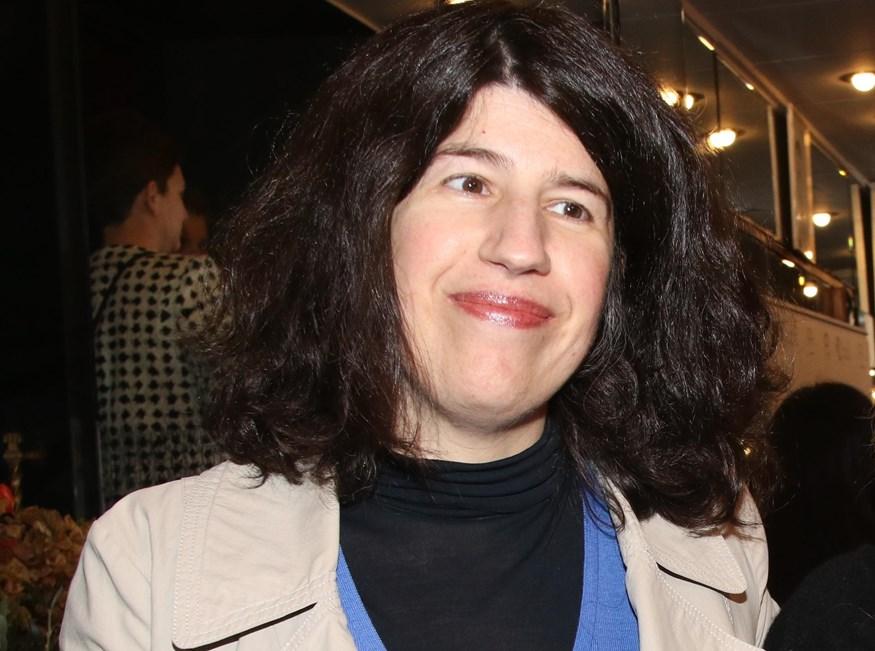 Είναι η κόρη πασίγνωστης Ελληνίδας ηθοποιού - Δείτε πόσο μοιάζει με την διάσημη μητέρα της!