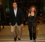 Paparazzi! Τζένη Μπαλατσινού - Βασίλης Κικίλιας: Καρέ-καρέ η άφιξή τους στη συναυλία της Carla Bruni!