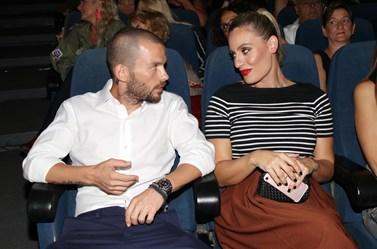 Paparazzi! Ελεονώρα Μελέτη: Στο θέατρο με τον σύντροφό της, Θοδωρή Μαροσούλη!