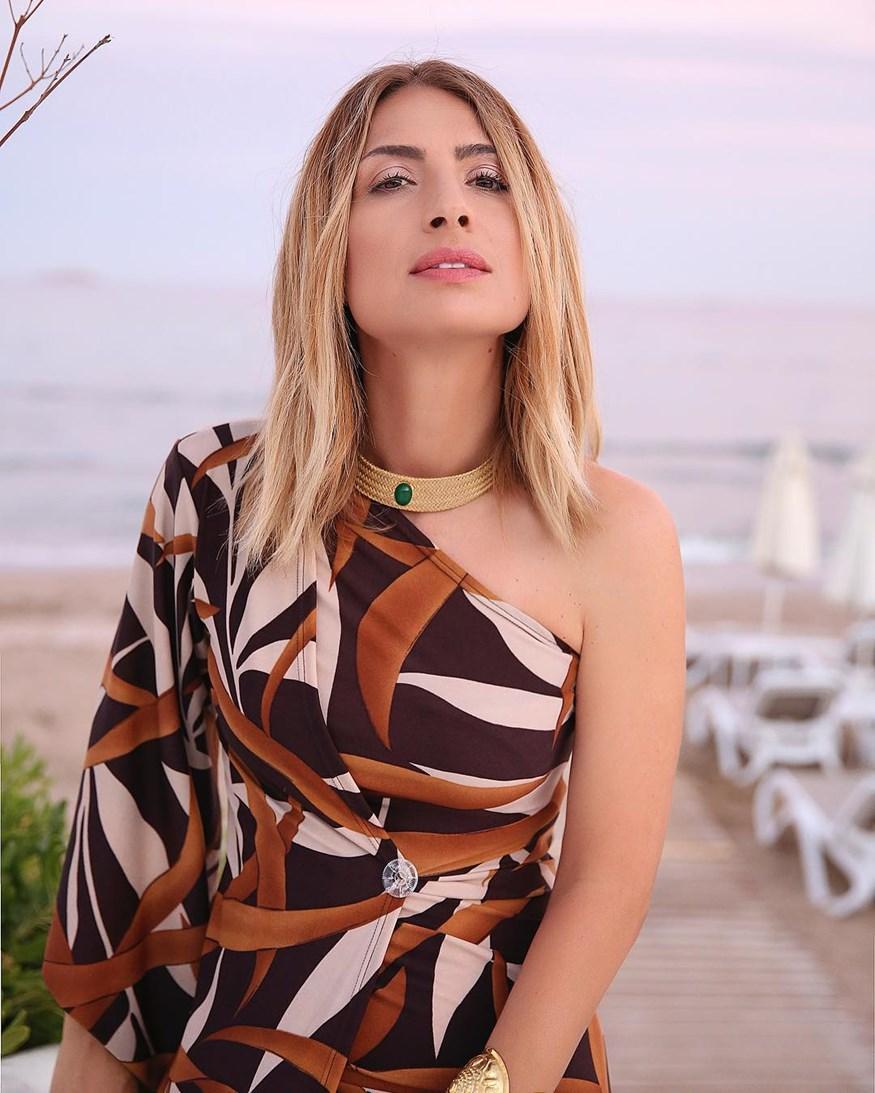 New hair look για τη Μαρία Ηλιάκη! Πώς σας φαίνεται η αλλαγή στα μαλλιά της;