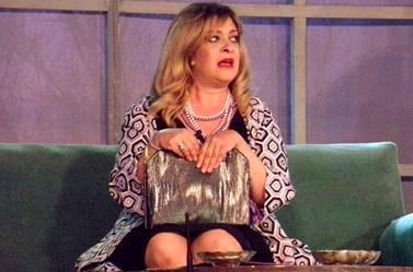 Επικό! Η Τζόϋς Ευείδη τρολάρει τη Μαρία Κορινθίου για το ρετουσαρισμένο εξώφυλλο!