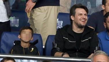 Πάνος Κιάμος: Σπάνια εμφάνιση με τον γιο του στο γήπεδο!