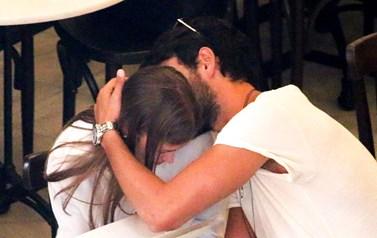 Paparazzi! Τρυφερά ενσταντανέ για το ερωτευμένο ζευγάρι της ελληνικής showbiz