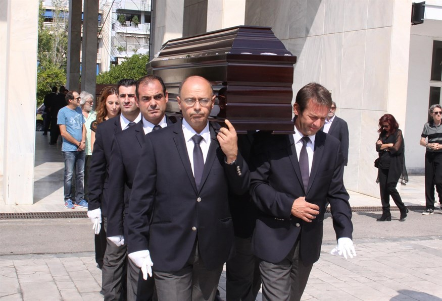 Θλίψη στην κηδεία της Σοφίας Ολυμπίου