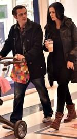 Μάριος Αθανασίου: Πρώτη βόλτα με τη δύο μηνών κορούλα του