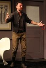 H πρώτη ανάρτηση του Μάνου Παπαγιάννη μετά την αποχώρηση του από το θέατρο Χυτήριο