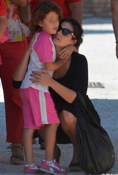 Μαρία Κορινθίου: Η 9χρονη κόρη της, Ισμήνη, ποζάρει στον φακό της μαμάς της σε τρεις πολύ τρυφερές φωτογραφίες