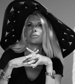 Η κόρη της Ελένης Μενεγάκη φόρεσε το ίδιο μαγιό με την Κατερίνα Καινούργιου! Μάθε πόσο κοστίζει…