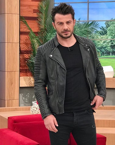 Το δημόσιο σχόλιο Έλληνα ηθοποιού για τη συμμετοχή του Ντάνου στο Τατουάζ: Πόσο λυπάμαι και ντρέπομαι για την κατάντια