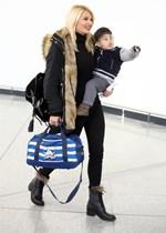 Φαίη Σκορδά: Φωτογραφίζει τον στιλάτο γιο της, λίγο πριν ξεκινήσει για το σχολείο του!