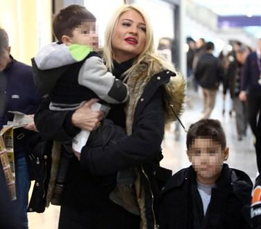 Μετακόμιση για την Φαίη Σκορδά! Τι αποκάλυψε η παρουσιάστρια για το νέο σπιτικό με τους γιους της;