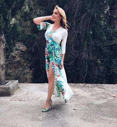 Τατιάνα Στεφανίδου: Κάνοντας την αγαπημένη της συνήθεια και στις διακοπές!