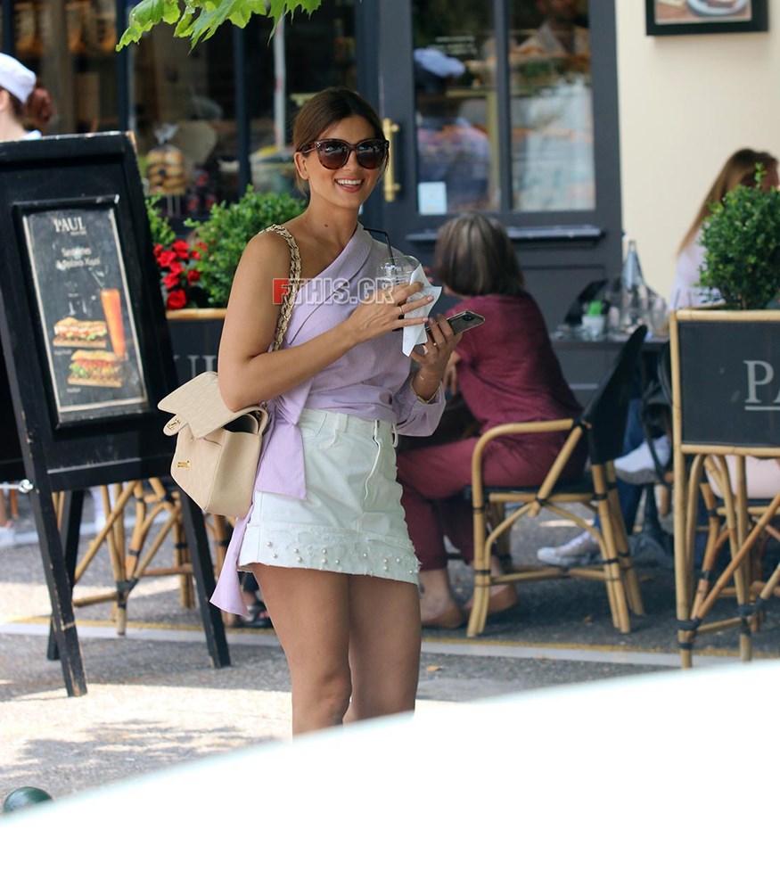 Paparazzi! Σταματίνα Τσιμτσιλή: Μοναχική βόλτα στην Κηφισιά με casual look