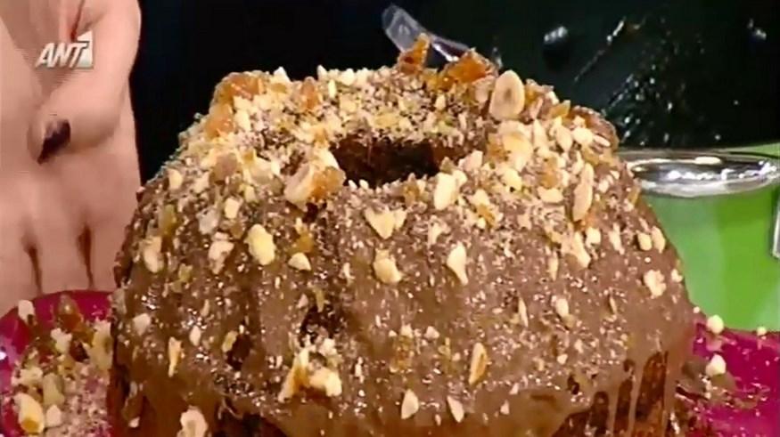 Κέικ πραλίνας με μαρμελάδα και λιωμένη σοκολάτα από την Αργυρώ Μπαρμπαρίγου (Video)
