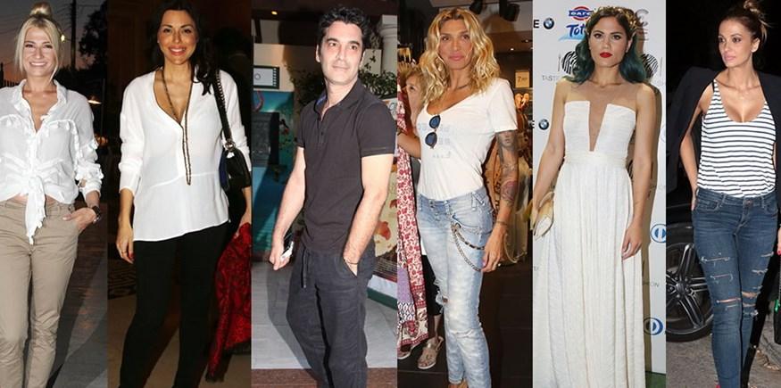 10 διάσημοι Έλληνες μας δείχνουν το σαλόνι τους!