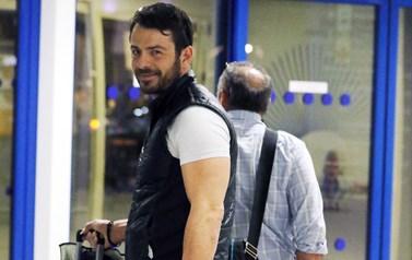 Paparazzi: Ο Γιώργος Αγγελόπουλος στο αεροδρόμιο!