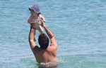 Paparazzi: Παιχνίδια στην παραλία για τον Γιώργο Ανδρίτσο και την κορούλα του, Διώνη