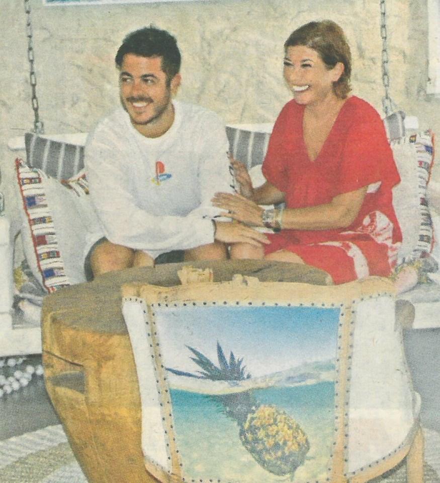 Σοφία Αλιμπέρτη: Φωτογραφίζεται με τον γιο της, Μιχαήλ-Άγγελο, στο café της στην Πάρο!