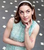 Γιούλικα Σκαφιδά: Με νέο look στα γυρίσματα για το Ου φονεύσεις του Πάνου Κοκκινόπουλου!