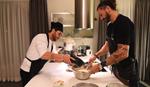 Γιώργος Μαζωνάκης: Δείτε βήμα - βήμα πώς έφτιαξε βασιλόπιτα με τον σύντροφο της αδερφής του, Δημήτρη Μακρυνιώτη!