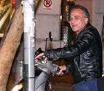 Παύλος Ευαγγελόπουλος: Βόλτες στο κέντρο της Αθήνας με εντυπωσιακή συνοδό