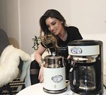 Η Αθηνά Οικονομάκου μπήκε στην κουζίνα του σπιτιού της! Δείτε τι μαγείρεψε για τον σύζυγό της