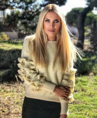 Κατερίνα Καινούργιου: Ποζάρει με νέο look στα μαλλιά της!