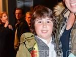 Είναι ο γιος γνωστού Έλληνα ηθοποιού και ποζάρει χαμογελαστός στο πλευρό του!