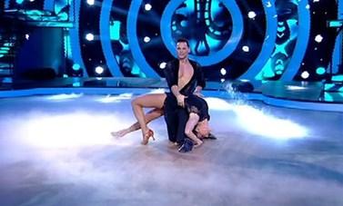 Dancing with the Stars: Η Ευρυδίκη Βαλαβάνη χόρεψε... Νίκο Οικονομόπουλο κι εντυπωσίασε!