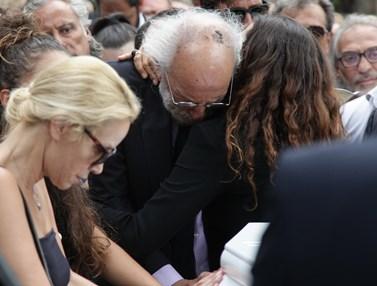 Ένας χρόνος χωρίς τη Ζωή Λάσκαρη: H ημέρα που βύθισε στο πένθος το πανελλήνιο