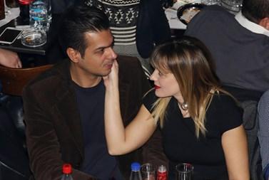 Νατάσα Μποφίλιου - Χρήστος Κορτσέλης: Δείτε την αναγγελία του γάμου τους
