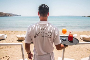 Lefko beach bar: Μάθε τα πάντα για το beach bar - διαμάντι στην Τήνο!