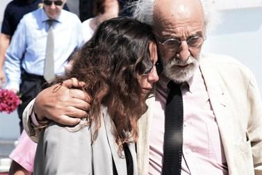 Μαρία Ελένη Λυκουρέζου: Οι φωτογραφίες και το συγκινητικό μήνυμα για τον ένα χρόνο από τον θάνατο της Ζωής Λάσκαρη
