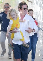 Paparazzi! Ο Ηλίας Κρασσάς στη Μύκονο με την κόρη του, Μπιάνκα