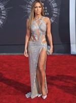 Jennifer Lopez: Αυτές είναι οι ασκήσεις που κάνει για να διατηρεί το τέλειο αποτέλεσμα στα οπίσθια!