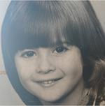 Αναγνωρίζετε το χαριτωμένο κοριτσάκι της φωτογραφίας;