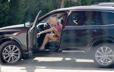 Paparazzi: Ιδιαίτερη ημέρα για την Ελένη Μενεγάκη – Πού την απαθανάτισε ο φωτογραφικός φακός;